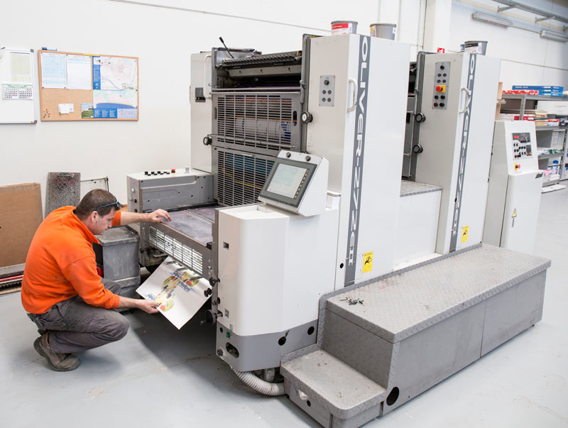impremta-novagrafic-impresora-offset